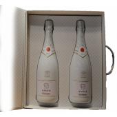 Exclusief Wijnpakket van Anna de Codorniu met witte en rose fles Anna Codorniu en twee glazen  in luxe geschenkverpakking